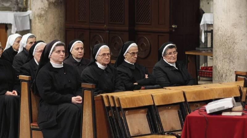 Molitveno bdjenje u šibenskoj katedrali uoči početka Godine posvećenoga života