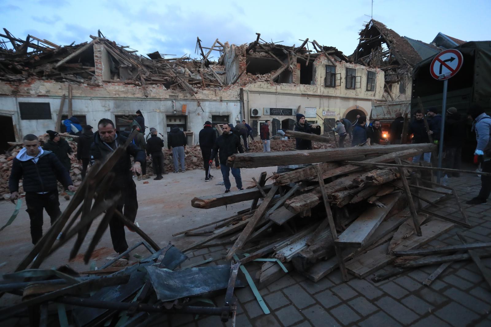Vjernici Hrvatske Katoličke župe München pomažu stradalima od potresa
