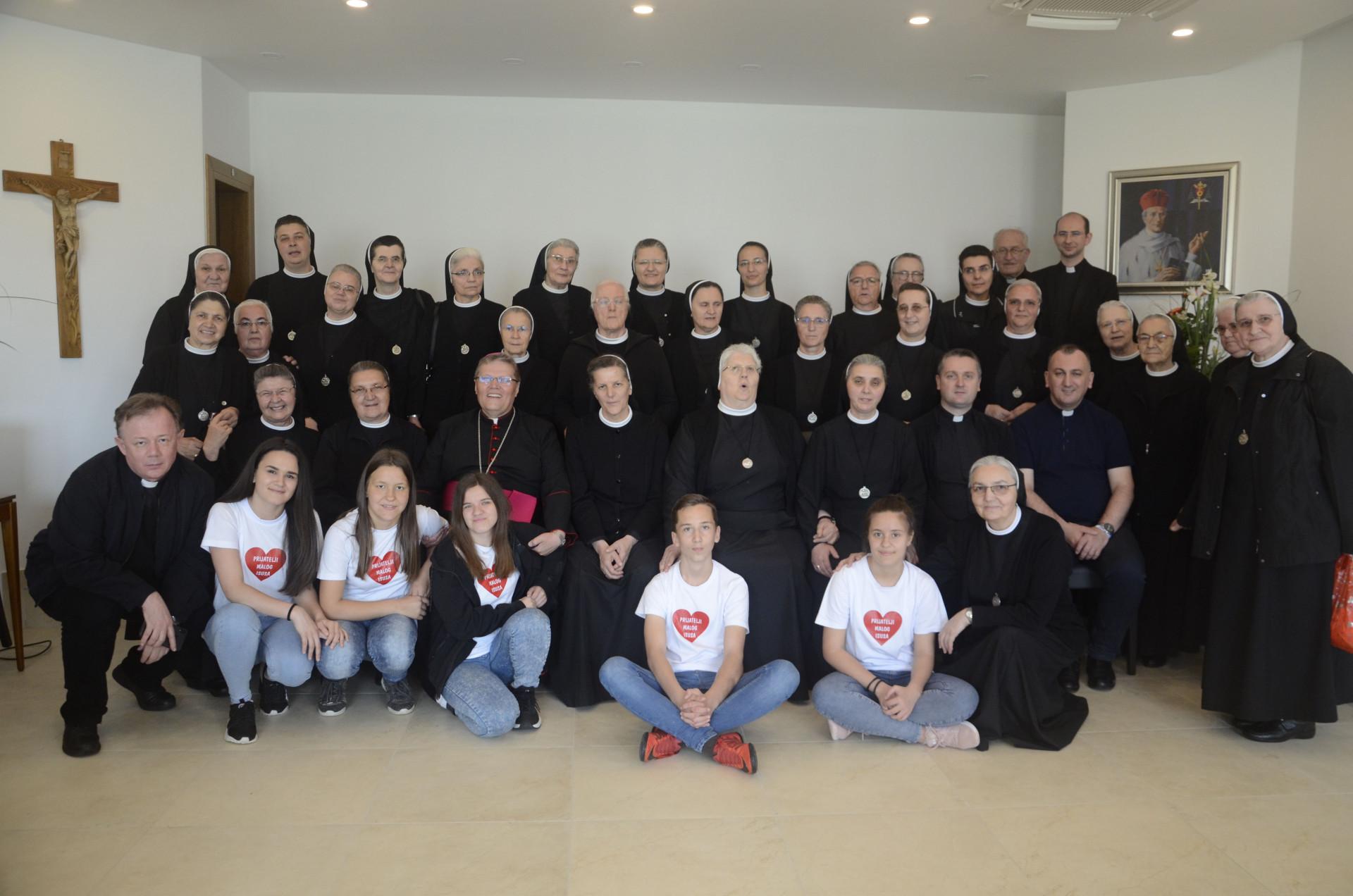 Srebrni jubilej djelovanja služavki Maloga Isusa Sarajevske provincije u Slavonskom Brodu