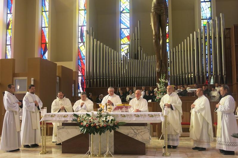 041 misa, oltar 2
