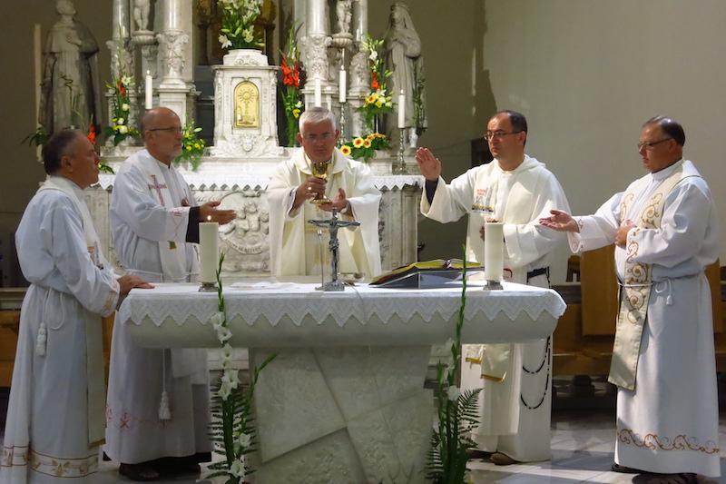010 - misa - biskup uzinic