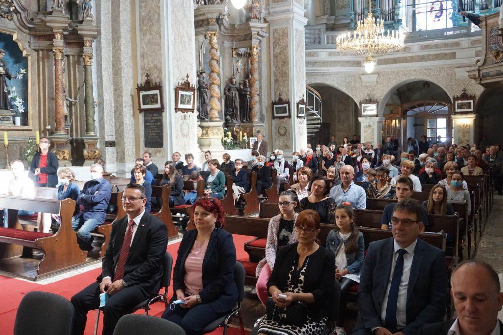 Biskup skvorcevic slavio zahvalnu misu u prigodi 500. obljetnice franjevaca u cerniku 2