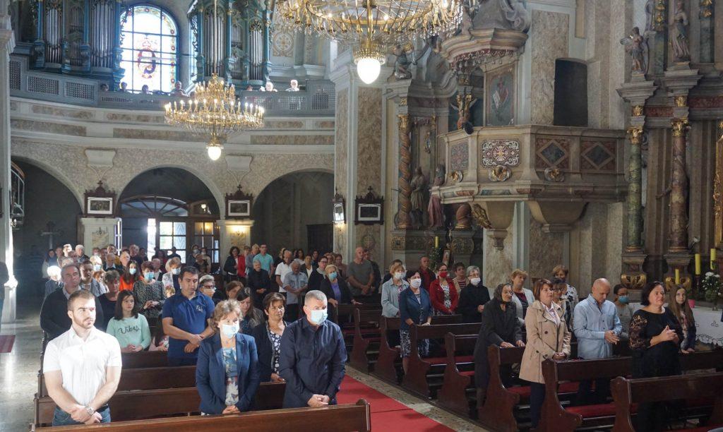 Biskup skvorcevic slavio zahvalnu misu u prigodi 500. obljetnice franjevaca u cerniku 3