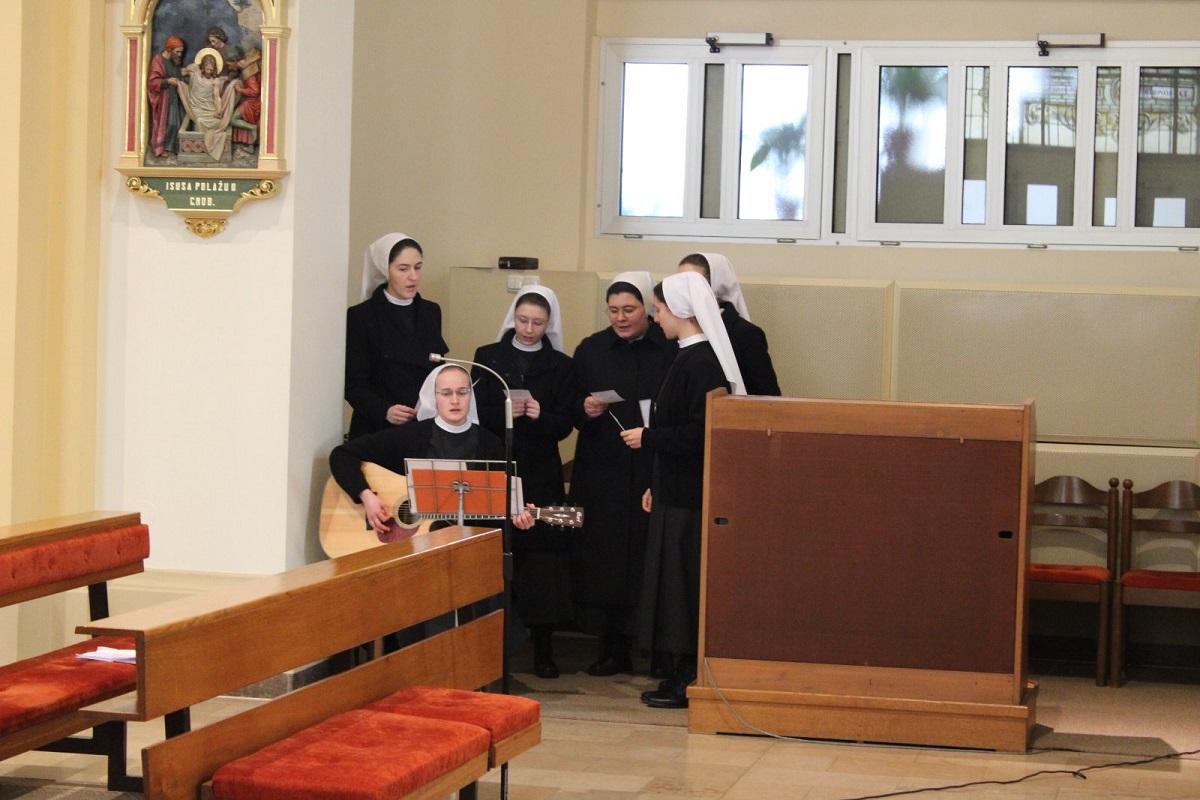 Milosrdne sestre sv. kriza 12