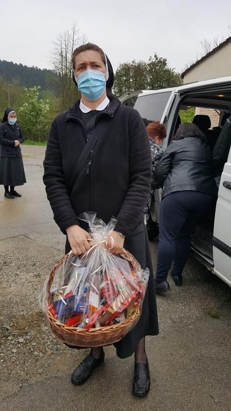 Povjerenstvo hrk za medicinske sestre redovnice pohodilo dom za psihicki oboljele odrasle osobe lobor-grad 3