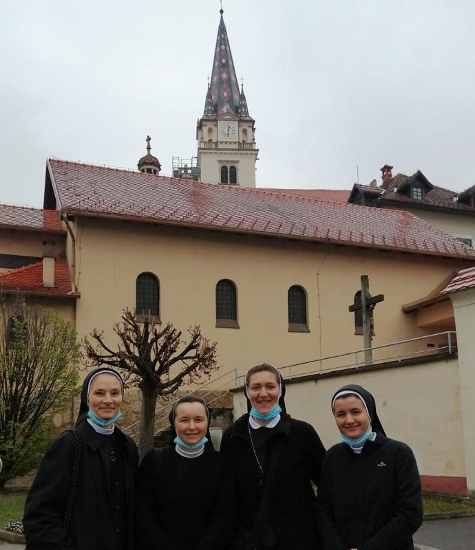 Povjerenstvo hrk za medicinske sestre redovnice pohodilo dom za psihicki oboljele odrasle osobe lobor-grad 5