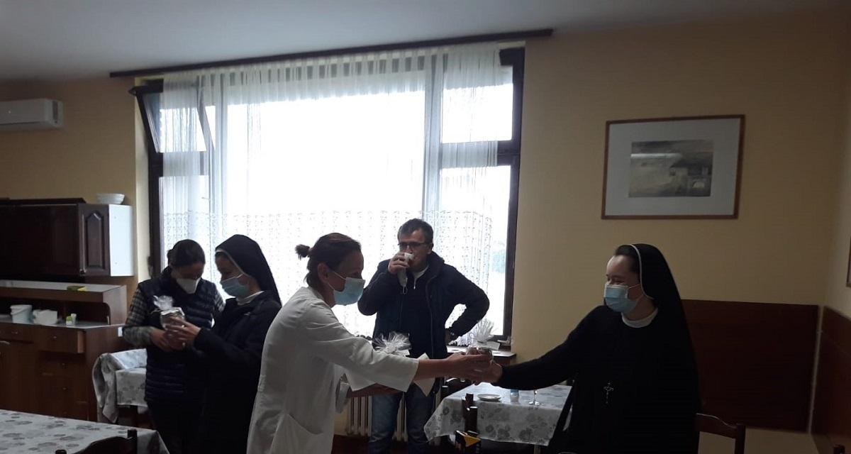 Povjerenstvo hrk za medicinske sestre redovnice pohodilo dom za psihicki oboljele odrasle osobe lobor-grad 6
