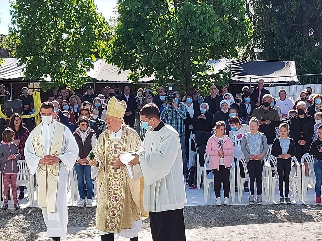 Proslava 155 obljetnice djelovanja sestara milosrdnica u daruvaru 10